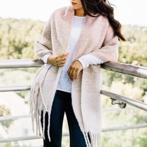 Accessories - Mersea Cozy Wrap in pink